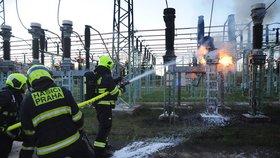 V Praze hořela trafostanice. Na Vinohradech proto vypadával proud