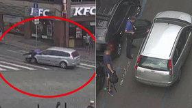 Řidič (29) přejel strážníkovi nohu a ujížděl s ním na kapotě. Odmítal řešit přestupek