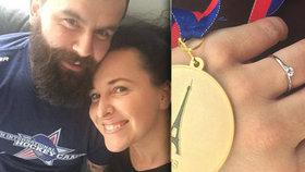 Další svatba na obzoru! Moderátorka Šilhánová se pyšní prstenem od partnera