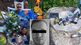 Fotbalistu Láďu (†23) zabil motorkář: Jeho pomníček někdo zničil, pláče zoufalý táta