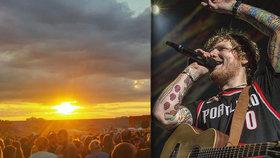 """80 tisíc nadšených lidí po koncertě Eda Sheerana ucpalo dopravu. Dav se """"rozpustil"""" po hodině"""