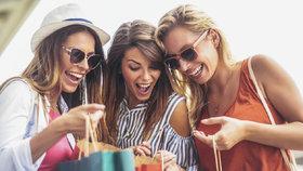 Velký přehled letních slev! Jaké oblečení teď můžete sehnat za pár korun?