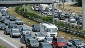 Čechy čeká peklo na silnicích, varují experti. Miliony Němců vyjedou o víkendu k moři