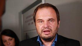 """Koronavirus položil i místopředsedu ČSSD. """"Válčím, zatím těsně vyhrávám,"""" říká Šmarda"""