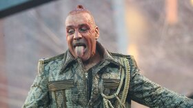 Koncert Rammsteinů na černo? Dvě show v pražských Vršovicích neměly povolení, tvrdí Praha 10