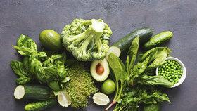 Falešná zahradnice vlezla ČZU do zelí! Sklidila šest kilo zeleniny, práskly ji zablácené holiny