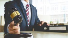 Právní kalkulačka: Spočítejte si, na kolik vás přijde soud