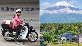 Dominika (27) sama na motorce pokořuje Japonsko: Místní ji milují!