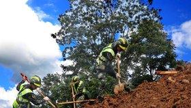 Sesuv půdy zavalil vesnici a zabil téměř 40 lidí. Další v Číně pohřešují