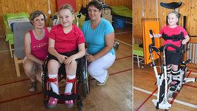 Nikolka (10) se narodila s obrnou, chodit ji učí robot: Na nohy se jednou postaví, věří maminka