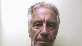 Pitva odhalila! Miliardář Epstein (†66) měl zlomený krk jako po vraždě uškrcením!