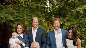 Královna opilec, nudný Charles a floutek Harry! Británii uzemnil útok na královskou rodinu