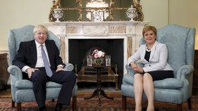 """""""Zatracená mrňavá"""" ministryně promluvila: Premiér Johnson je sprosťák a sexista"""