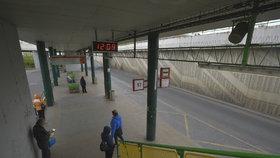 Ostuda celé Prahy? Ne na dlouho, autobusový terminál na Černém Mostě by měl projít rekonstrukcí