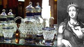 Tisíce let staré tajemství odhaleno: Experti namíchali Kleopatřin parfém