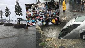 Záplavy po silných deštích v Istanbulu: První mrtvý a narušená doprava
