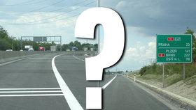 Rok a půl se dálnice D11 rozšiřovala: Do třetího pruhu se ale stále nesmí