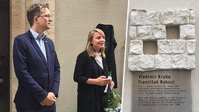 Zastřelili je při útěku: Praha 1 vyvěsila pamětní desku zabitým mladíkům v srpnu 1969