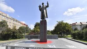 Rudou barvou politý maršál Koněv. Policie případ odložila, viník není k dohledání