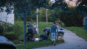 Šokující zjištění! Dva lidi na ulici ve Stodůlkách pobodal teprve osmnáctiletý mladík