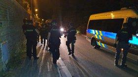 Střelba na Střížkově?! Policisté se samopaly pročesali okolí, pachatele nenašli