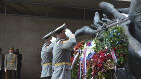 """Čaputová s Babišem uctili protifašistické povstání. """"Kluci umírali každou chvíli,"""" vzpomíná Josef (93)"""