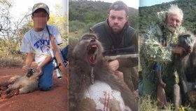 Šokující fotografie: Lovci pózují se zastřelenými opicemi! Účastní se i děti