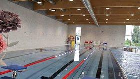 V Radotíně přibyl krytý plavecký bazén: Voda se čistí stejně jako v sousedním biotopu