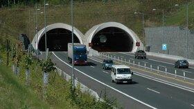 Tunelem Valík na dálnici D5 u Plzně od pondělí rychleji: Je prvním tunelem vČR, kde se bude jezdit rychlostí 100 km/h