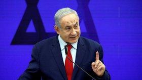 Premiér stáhl žádost o imunitu, prokurátor ho obžaloval. Izrael čekají třetí volby za rok