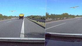 Letadlo ohrožovalo řidiče na dálnici D11: Letělo příliš nízko!