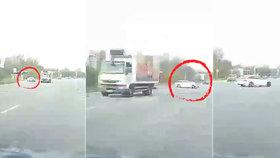 Pirát silnic v Ostravě ohrozil řidiče: V křižovatce přejížděl dvojitou plnou čáru