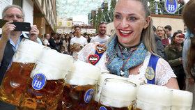 """""""Je naraženo!"""" VMnichově začal Oktoberfest, tuplák podražil na tři stovky"""