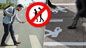 8 lidí zabila tramvaj! Chodce s mobily v ruce v zahraničí chrání různá opatření: Praha je zavádět nechce. Proč?
