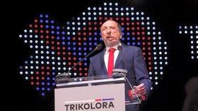 Trikolóra Klause ml. má v průzkumu poprvé přes pět procent, Babiš i přes ztrátu vede