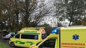 Pod koly auta na Olomoucku zemřel člověk
