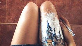 Tělo místo skicáku! Umělkyně kreslí náčrty slavných budov na ruce a nohy