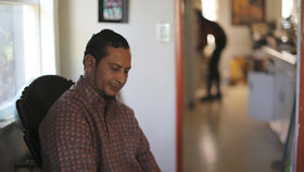 """Migranta postřeleného do hlavy léčili brufenem: """"Bál jsem se, že umřu"""""""