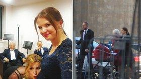 Mluvčí Gotta (†80) Aneta Stolzová: Čtyři dny po porodu na mši i s malou Karlou!