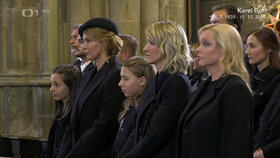 ONLINE: Pohřeb Karla Gotta (†80): Jeho holčičky nakonec přišly. Po mši rychlá cesta do krematoria