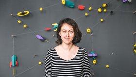 Z papíru dokáže vytvořit celý vesmír: Designérka Kateřina vymyslela originální skládačky, zdobí jimi svatby