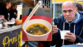 Kulajda, která léčí mrtvici: Polévky slavných šéfkuchařů pomohou lidem se získaným poškozením mozku