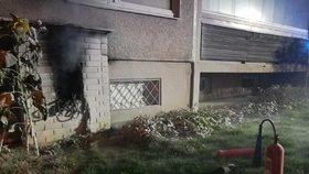 Panika v Bohnicích: Požár rozvaděče uvěznil lidi ve výtahu, vyprošťovat je museli hasiči