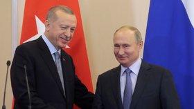 Erdogan jednal s Putinem, Kurdové dostali na odchod z hranic Sýrie dalších 150 hodin