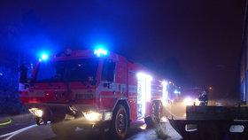 Dohra tragického požáru v Bílině: Lidé kritizovali hasiče na sítích, ti jim to vrátili