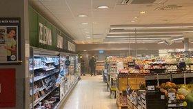 Vypečené do černa: V pražském supermarketu chytla pec na pečivo