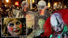 Děsivý Halloween: V USA tekla krev, Češi vyšli na hřbitovy. A vytáhli i kostýmy a dýně