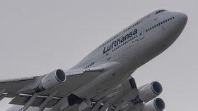 Personál Lufthansy dál stávkuje. Tisíce lidí uvízly na letištích, odpadlo i pět letů do Prahy