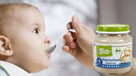 Pozor v dm drogerii: Příkrm pro děti může obsahovat kusy plastu, odhalili veterináři