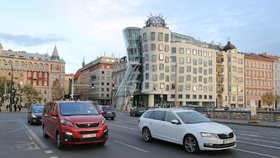 Centrum Prahy jen pro rezidenty! Město prodloužilo uzavírku obou břehů Vltavy